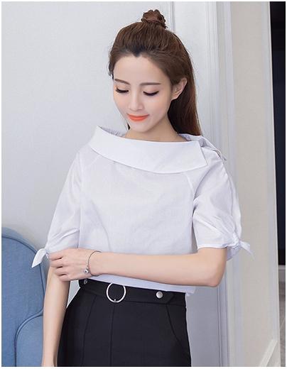 เสื้อแฟชั่นเกาหลี คอปกแต่งปาดไหล่ ดีไซน์เก๋ แขนผูกโบว์ สีขาว