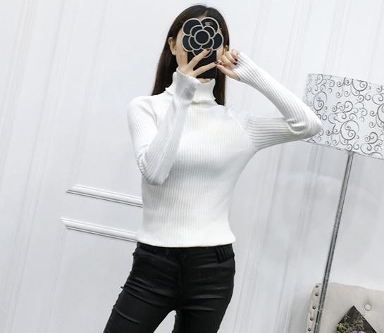 เสื้อสเวตเตอร์ ไหมพรมคอเต่า ยืดได้เยอะมาก สีขาว