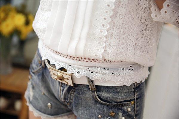 เสื้อลูกไม้สวยๆ แฟชั่นเกาหลี มีสีขาว เสื้อขาวลายลูกไม้ ใส่กับยีนส์ได้ เสื้อลูกไม้ ส่งฟรี EMS ส่งฟรี EMS แขนสามส่วน คอปิด มีซับใน ใส่เที่ยวสบายๆ ชิวๆ แมทซ์กับยีนส์ได้สวยๆ