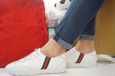 รองเท้าสไตล์เกาหลี ผ้าใบสีขาว มีแถบคาด Size 36