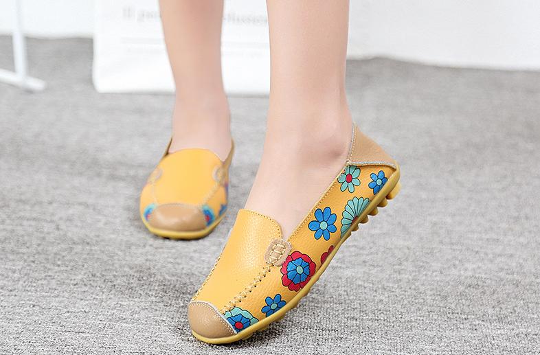 SK12 รองเท้าหนังนิ่ม (หนังวัว) ลายดอกไม้ใหญ่ Size 41