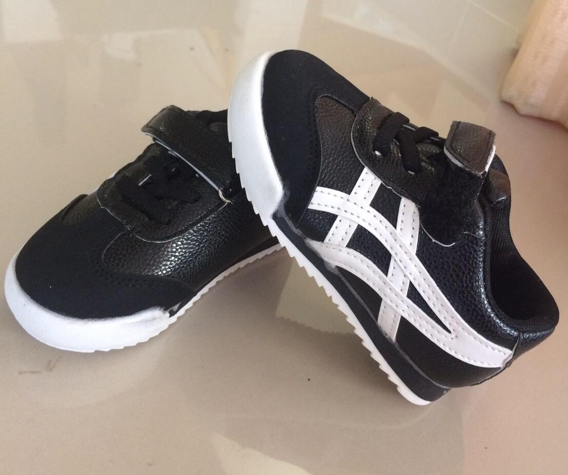 รองเท้า ONI เบอร์ 21