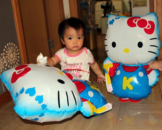 Hello Kitty Walking Balloons - คิตตี้บอลลูน สีฟ้า / Item No. TL-K004