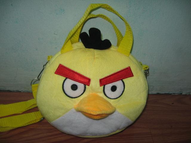 กระเป๋าถือได้ สะพายได้ Angry bird สีเหลือง ของใหม่!!
