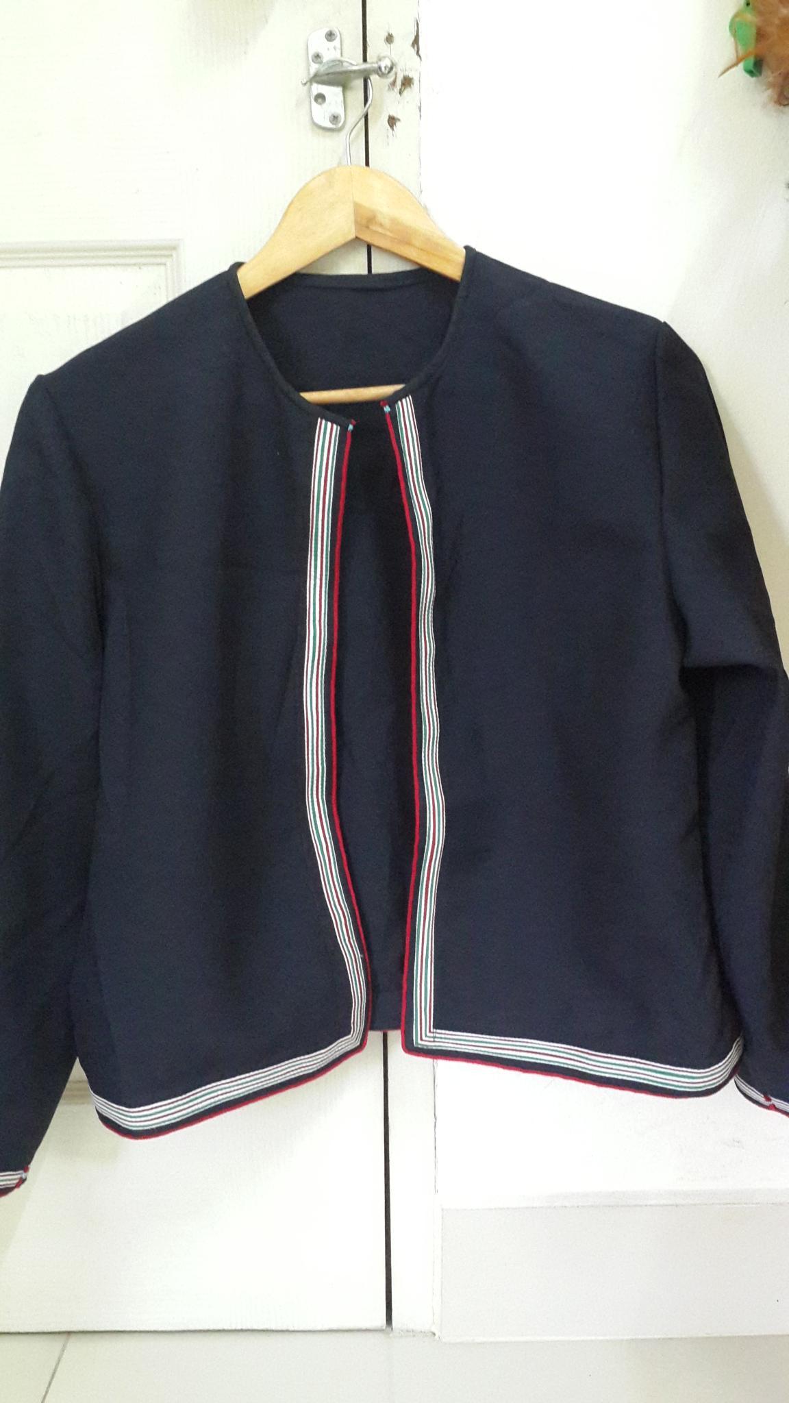 เสื้ออิวเมี่ยนประยุกต์ สำหรับผู้หญิง