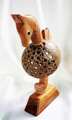โคมไฟกะลามะพร้าวม้าน้ำ Coconut Shell Lamp Seahorse