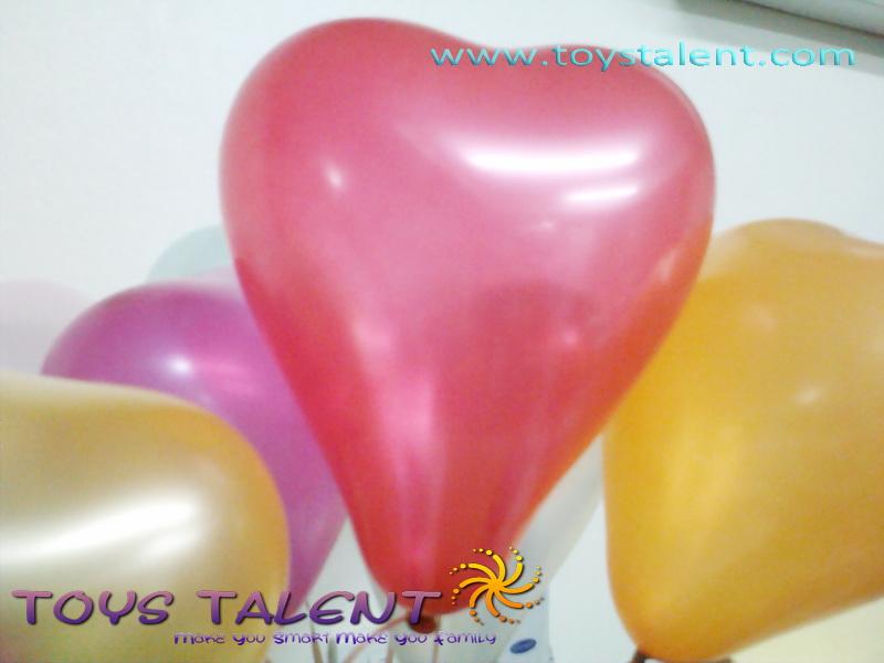 ลูกโป่งหัวใจ เนื้อเมททัลลิค สีแดง ไซส์ 6 นิ้ว แพ็คละ 10 ใบ