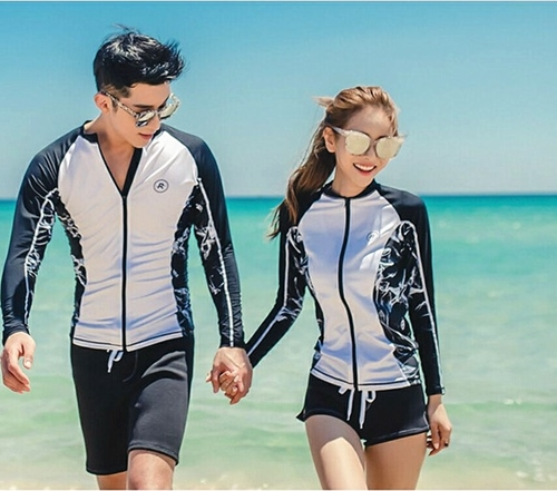ชุดว่ายน้ำแขนยาว เซ็ต 3 ชิ้น บราขาว+กางเกงสีดำ+เสื้อแขนยาวซิปหน้า โทนสีขาวดำสวยๆ