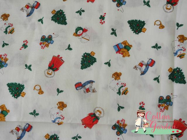 คอตตอนญี่ปุ่น ลายคริสต์มาส สีขาว เนื้อดีหมาะสำหรับงานผ้าทุกชนิด ตัด กระโปรง ทำกระเป๋า ปลอกหมอน และอื่นๆ