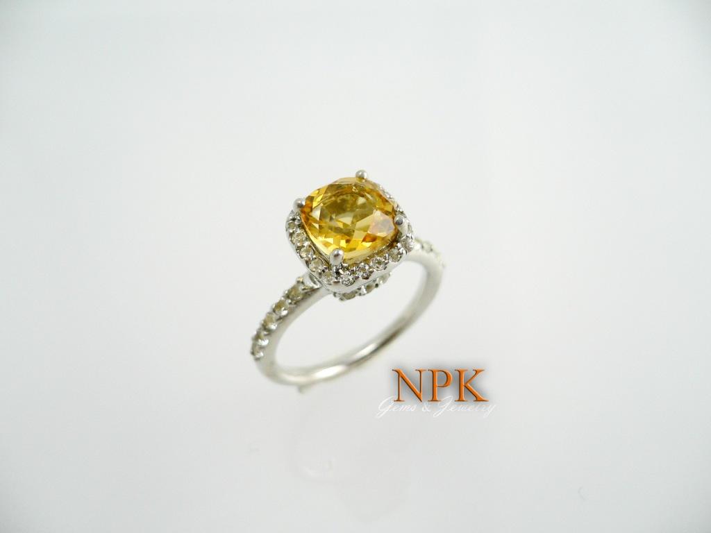 แหวนซิทรีนล้อมไวท์โทปาซ (Citrine Silver Ring)