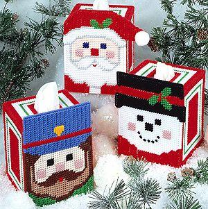 ชุดปักแผ่นเฟรมกล่องทิชชูลายซานต้ามี 3 แบบ เลือกลายด้านในค่ะ
