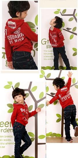 SEV071R TWO&SEVEN เสื้อกันหนาวเด็ก แบบสเวตเตอร์ มีฮู้ด ด้านในเป็นผ้าขูดขนเนื้อเนียนนุ่ม สกรีนลายหน้า+หลัง LIFEGUARD สีแดง เหลือ Size 110