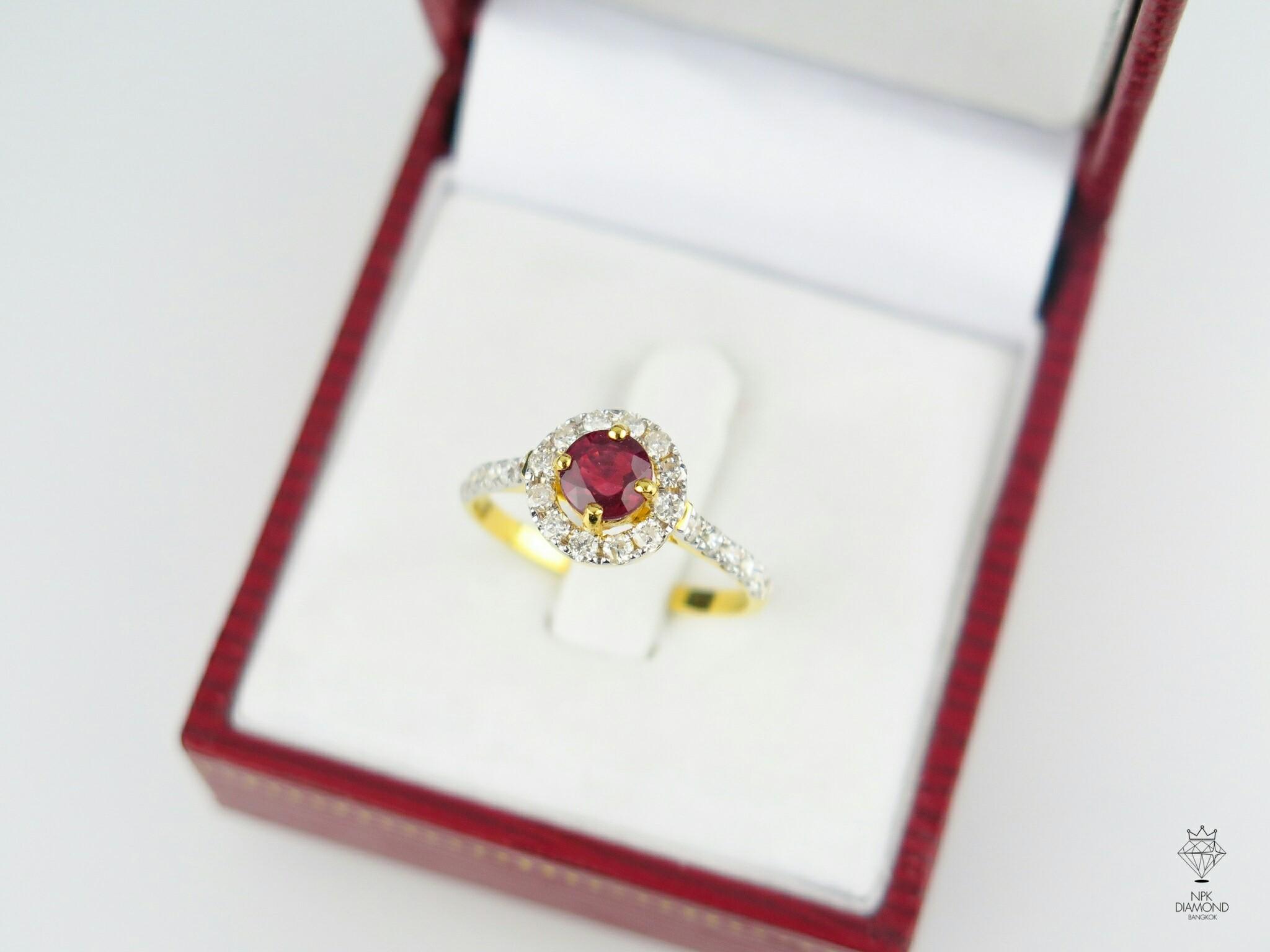 แหวนทับทิมล้อมเพชร