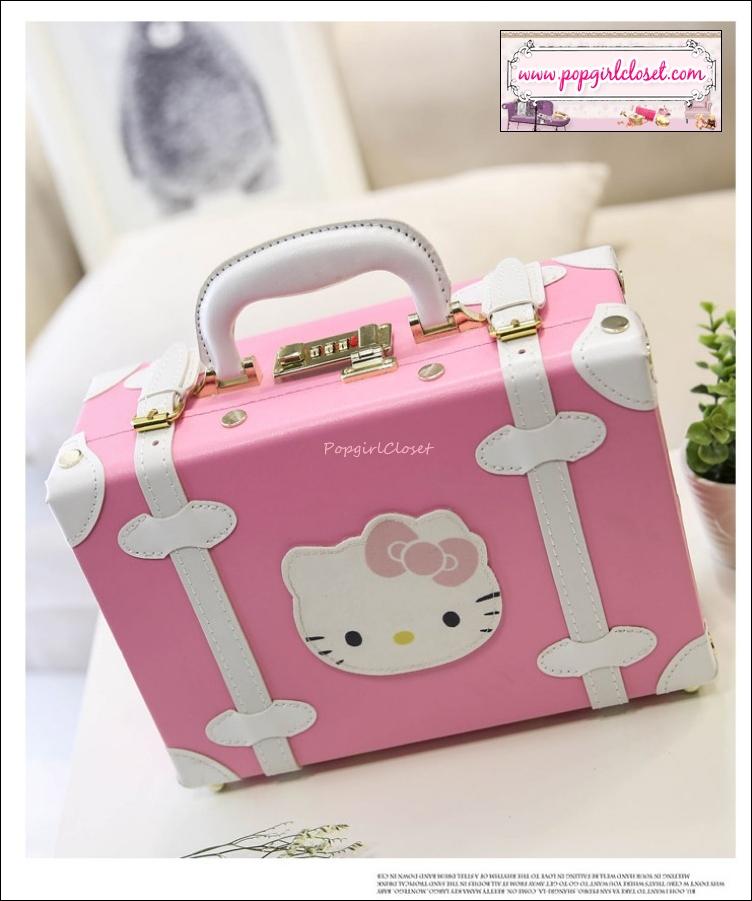 """กระเป๋าสะพายวินเทจสไตล์เกาหลี KITTY ดีไซน์วินเทจแบ๊ว สำหรับสาวกคิตตี้โดยเฉพาะเลยค่า มี 3 ไซส์ 12"""", 14"""" และ 15"""" สีชมพูอ่อนคาดขาว """"BABY PINK/WHITE"""" Beauty Bag Vintage Korea Style (Pre-order ราคาสินค้าอยู่ด้านใน)"""