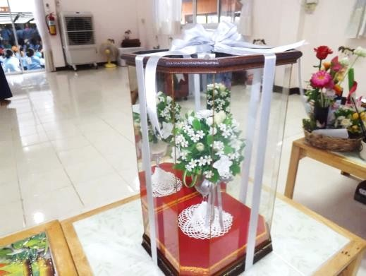แก้วเชมเปญดอกไม้ดินไทย (พร้อมกรอบ)