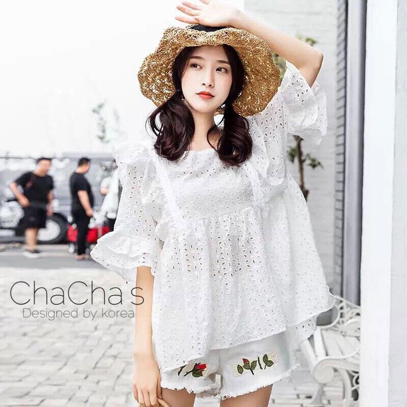 เสื้อลูกไม้ Embroidered Lace Midi Dress