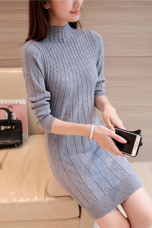 เสื้อกันหนาวไหมพรม พร้อมส่ง สีเทา คอปิด แต่งลายน่ารัก แขนยาว ตัวยาวคลุมสะโพก ใส่กันหนาวได้ค่ะ
