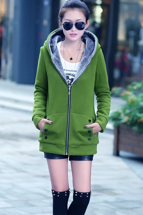 เสื้อกันหนาวสีเขียว