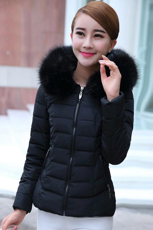 เสื้อโค้ทแฟชั่น พร้อมส่ง สีดำ ผ้าร่ม กันลมหนาวได้ดีเลยค่ะ แต่งผ้าขนสัตว์ติดฮูทน่ารัก