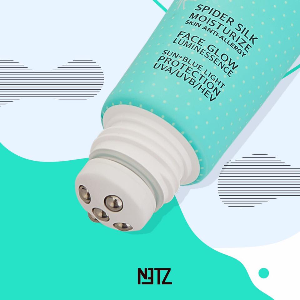 NETZ with the five rollerballs ไม่เพียงความฟินในการยืด NETZ ให้เหมือนใยแมงมุม โรลเลอร์บอล 5 หัวยังออกแบบมาเพื่อกระจายเนื้อผลิตภัณฑ์ให้เกลี่ยง่ายและทั่วถึงด้วย