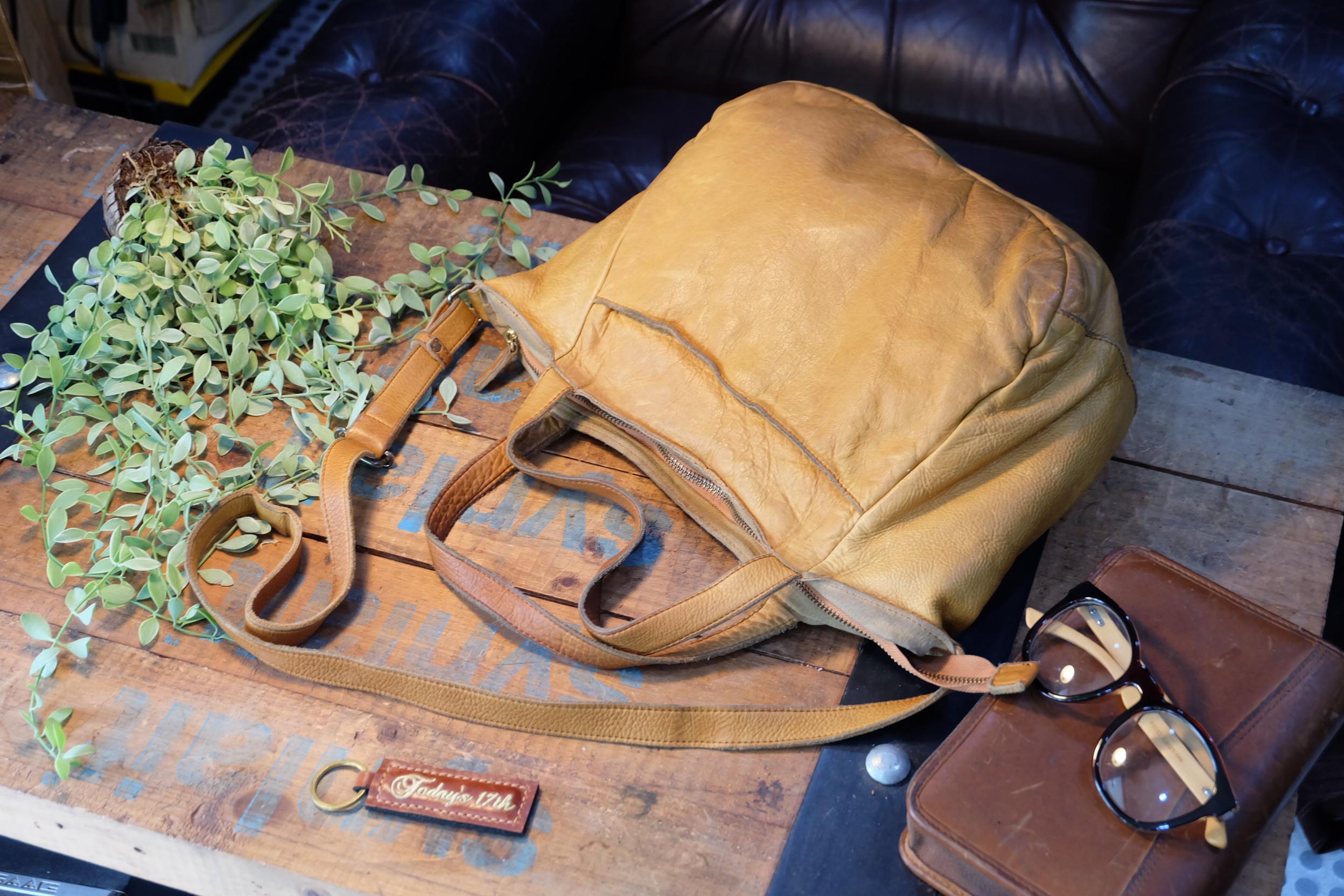 กระเป๋าหนังแท้สะพายข้าง/ไหล่