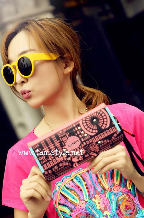 AB-9020 กระเป๋าแฟชั่น How R U แบบกระเป๋าสตางค์ มีลายสวยงามประดับด้วยหมุด น่ารักๆ สีชมพู