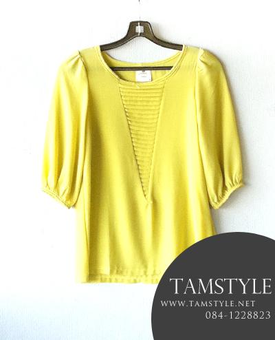 **((หมดค่ะ))Toop009-เสื้อแฟชั่น ผ้าชีฟองลายอัดกลีบตรงหน้าอก สีเหลืองตอง