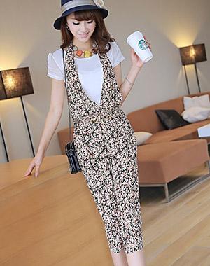 **หมดคะ**Korea ชุดเอี๊ยมกางเกงแฟชั่น+เสื้อสีขาว น่ารักนะค่ะชุดนี้ มี3สีนะค่ะ