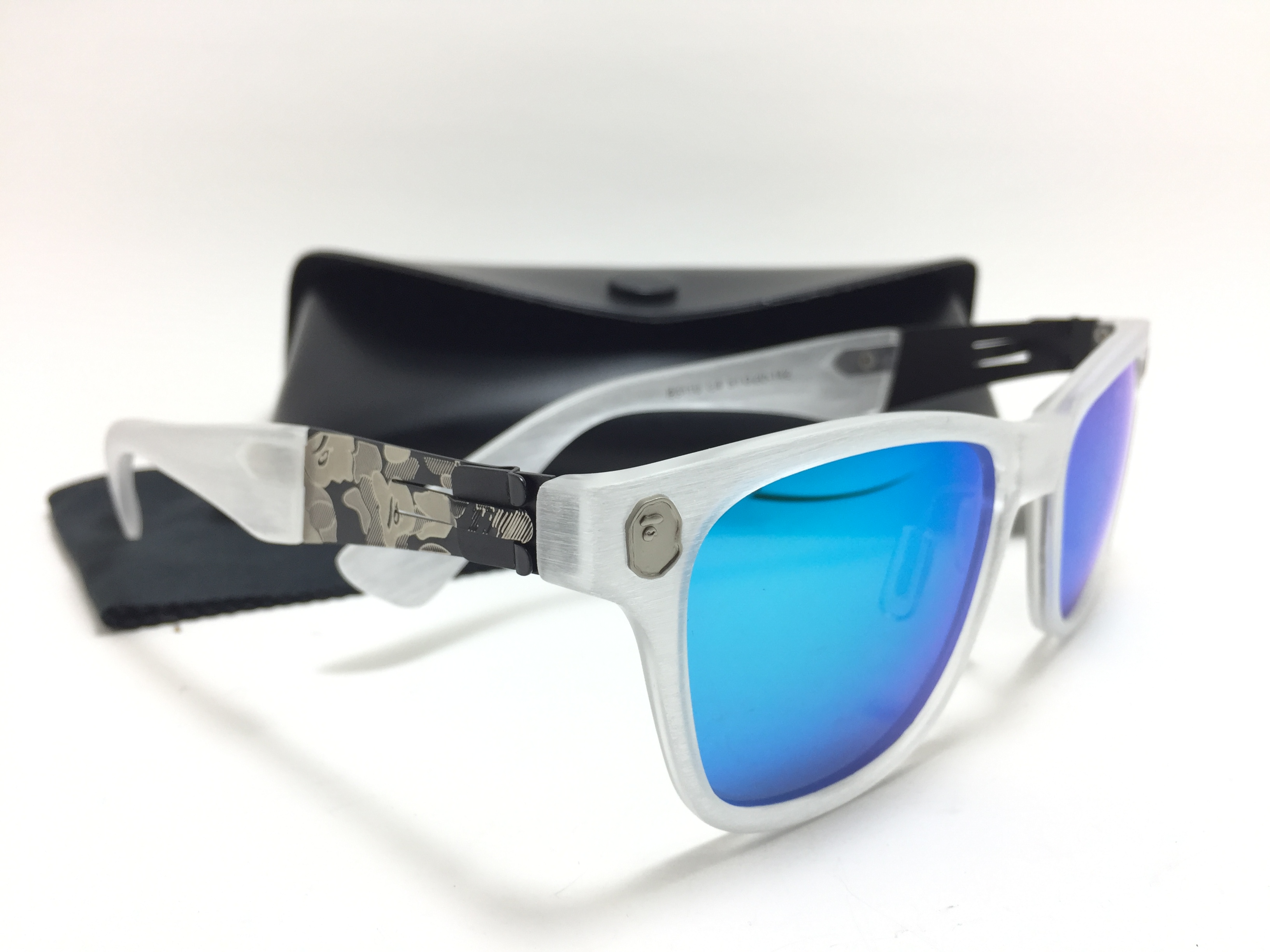 แว่นกันแดดแฟชั่น Green Scrub White Blue-green Sheet Match Box B3110 C4 51-20 142 <ปรอทฟ้า>