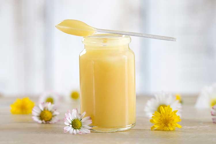 นมผึ้ง รอยอลเจลลี่