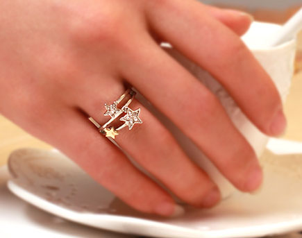 แหวนรูปดาว สีเงิน พร้อมส่ง