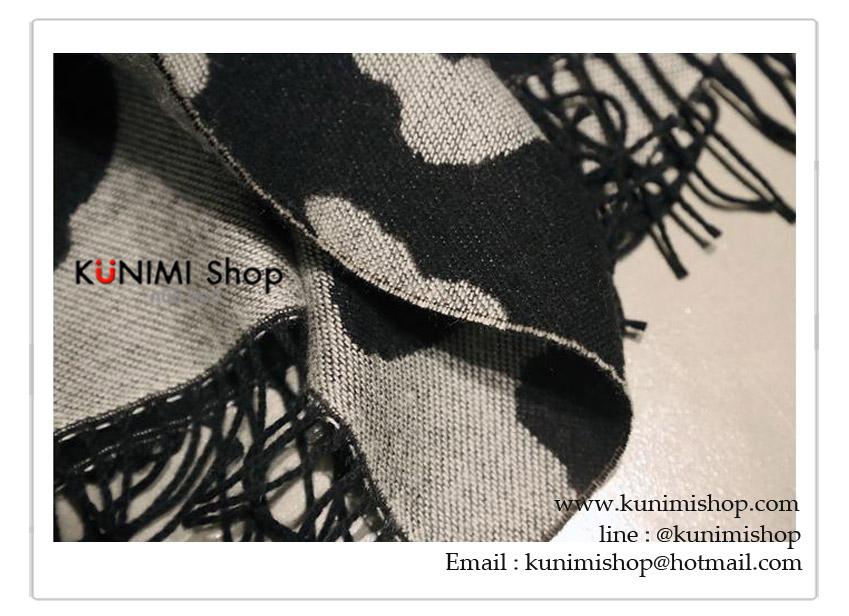 ผ้าพันคอ แฟชั่น พิมพ์ลายสวย งานดีคะ ผ้าหนาอุ่น สามารถใช้พันคอ คลุมไหล่ สวยดูดี ใช้ได้ทุกโอกาส ขนาด : ยาว 200 กว้าง 50 cm. ผ้า : ขนสัตว์เทียม (หนา)