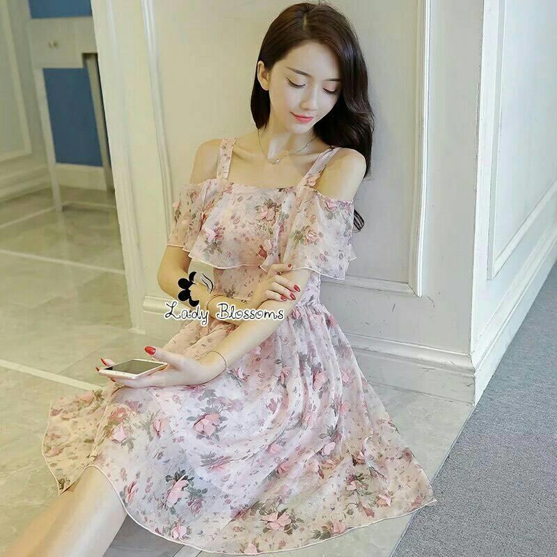 พร้อมส่ง Mini Dress เปิดไหล่ พิมลายดอกไม้