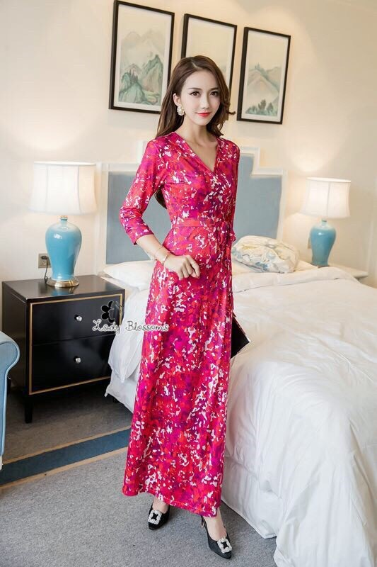 ชุดเดรสเกาหลี พร้อมส่ง เดรสยาว ลายสีชมพู-แดงสดใส