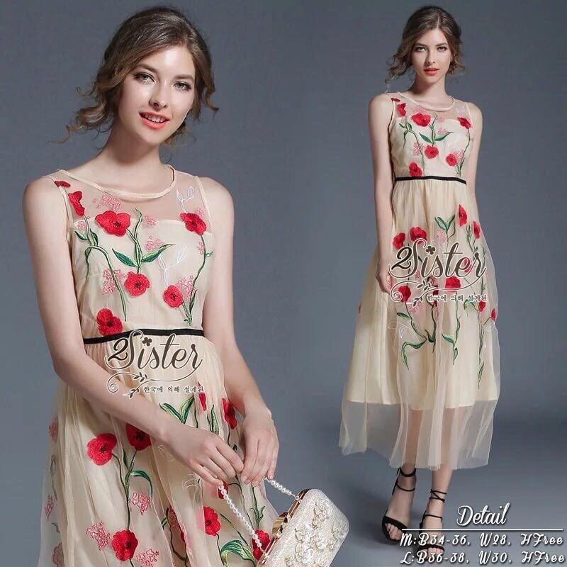 เดรสเกาหลี พร้อมส่ง เดรสยาว ปักลายดอกไม้สีแดง
