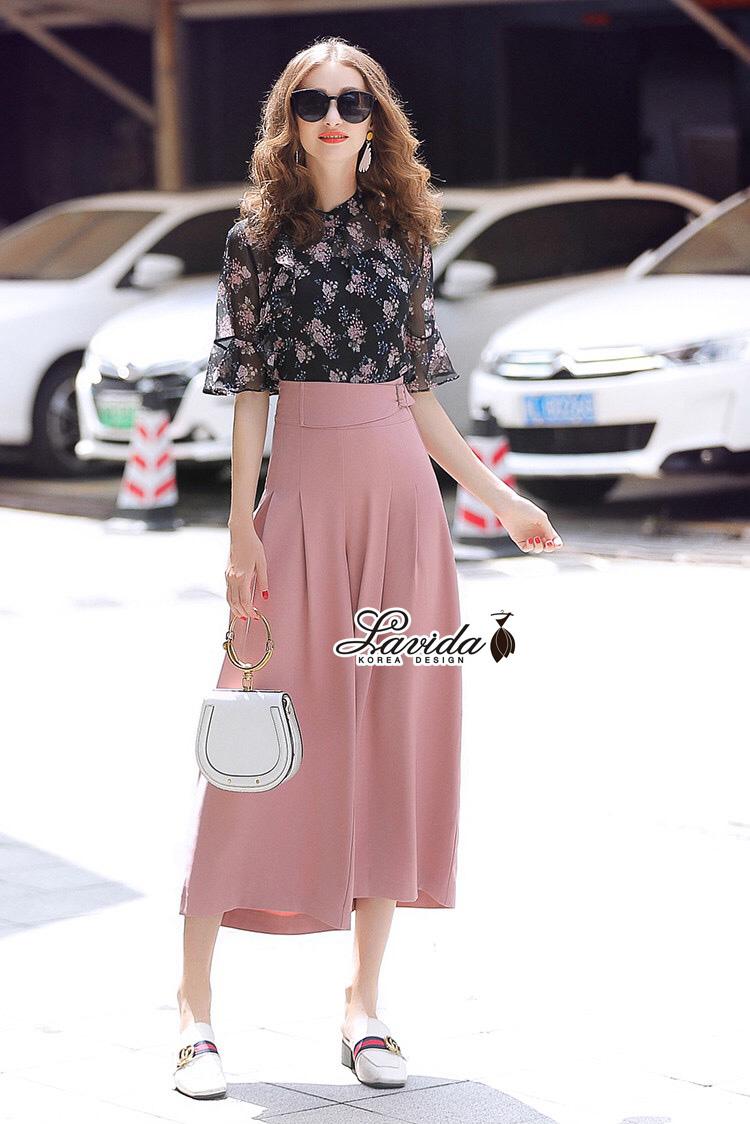 ชุดเซทแฟชั่น งานเซตเสื้อ+กางเกง ตัวเสื้อพิมพ์ลายดอกไม้สีชมพู กางเกงทรงขากว้าง