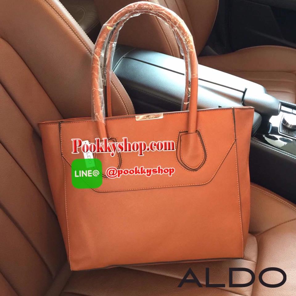 ALDO SHOPPER BAG กระเป๋าสะพายใบใหญ่วัสดุหนัง Saffiano อยู่ทรงสวยสไตล์ PRADA ประดับโลโก้แบรนด์อะไหล่สีทอง เปิดปิดด้วยซิปสะดวกใช้ ภายในมีโลโก้ มีช่องซิปและช่องใส่มือถือ กว้างและจุ ใส่ ipad หนังสือ เอกสาร A4 กระเป๋าสตางค์ ของใช้ได้เยอะ หูหิ้วเเข็งเเรงรับน้ำห