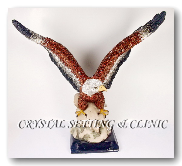 รูปปั้นนกอินทรีย์ ( Eagle Figurine )