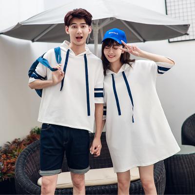 ชุดคู่รักสีขาวเกาหลี เสื้อมีฮู้ดแขนห้าส่วน แต่งแถบเส้นแขนเสื้อ