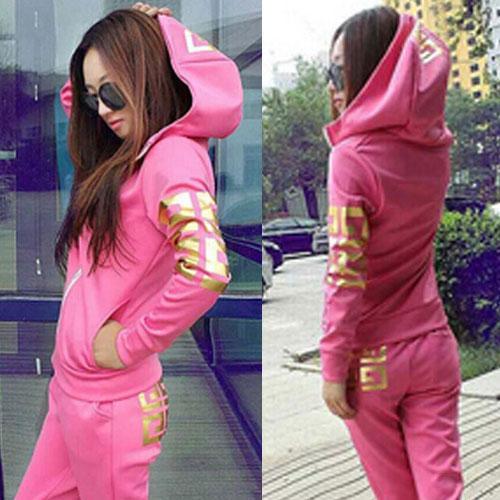 ++สินค้าพร้อมส่งค่ะ++Sport Set เกาหลี เสื้อ Jacket มี hood แขนยาว สกรีนลายด้วยดิ้นเก๋และกางเกงขายาว มี 4 สีค่ะ สีชมพู