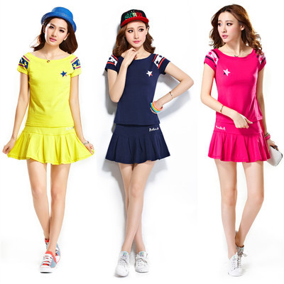 ชุดออกกำลังกายเกาหลี แต่งรูปดาว เสื้อ+กระโปรง มี3สี