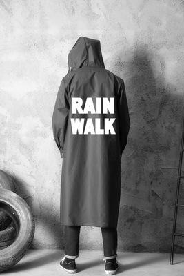 เสื้อฮู้ดกันฝนตัวยาวสีดำ สกรีนลายอักษรด้านหลัง สไตล์เกาหลี