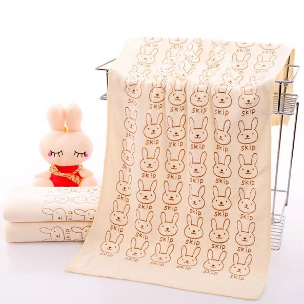 ผ้าเช็ดตัวนาโน ผ้าขนหนูนาโน ขนาด 70 x 140 cm (แบบหนา 400 gsm ) ลายการ์ตูนสีเหลืองอ่อน