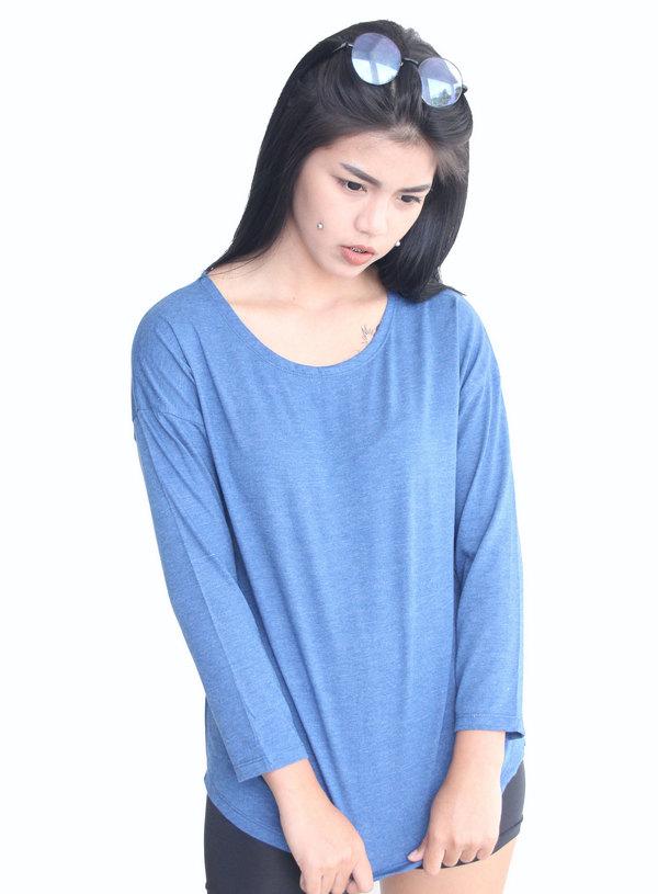 เสื้อยืด คอปาด แขนยาว รหัส T004 ท๊อปดราย สีฟ้า