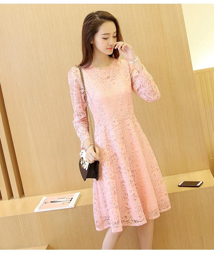 ชุดเดรสสวยๆ สีชมพู เดรสผ้าลูกไม้สีชมพู แขนยาว เนื้อดีมากๆ