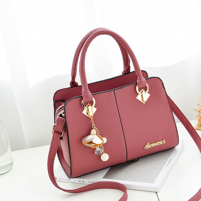 Pre-order กระเป๋าผู้หญิงถือและสะพายข้าง แถมจี้ดอกไม้ห้อย แฟชั่นเกาหลี รหัส KO-862 สีชมพูเข้ม