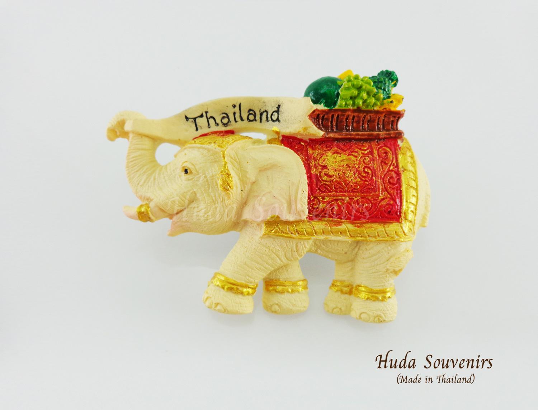 ของที่ระลึกไทย แม่เหล็กติดตู้เย็น ลวดลายช้างแบกตะกร้าผลไม้บนหลัง