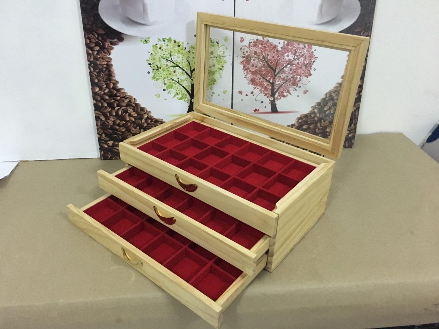 กล่องใส่พระงานไม้สน 3 ชั้นสีแดง 54 ช่อง งานสวย สำหรับเก็บพระ เก็บเหรียญต่างๆ (พร้อมส่ง)