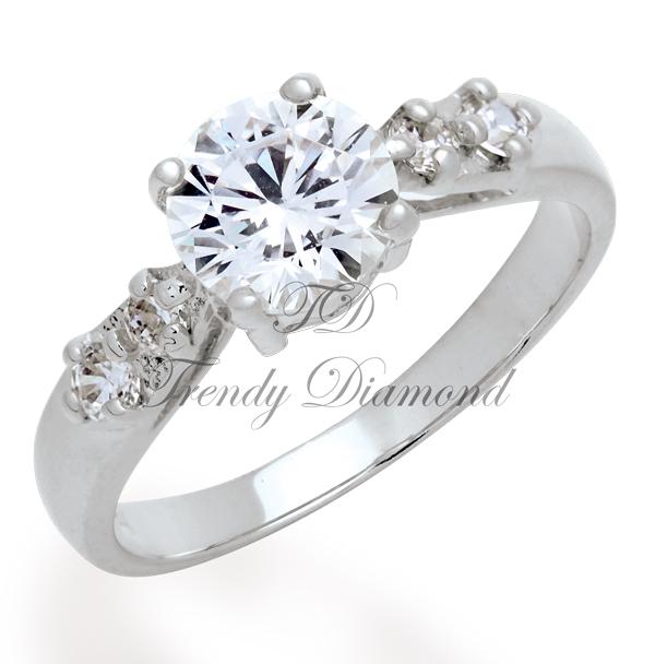 แหวนเพชร Mini Angel สีทองคำขาว