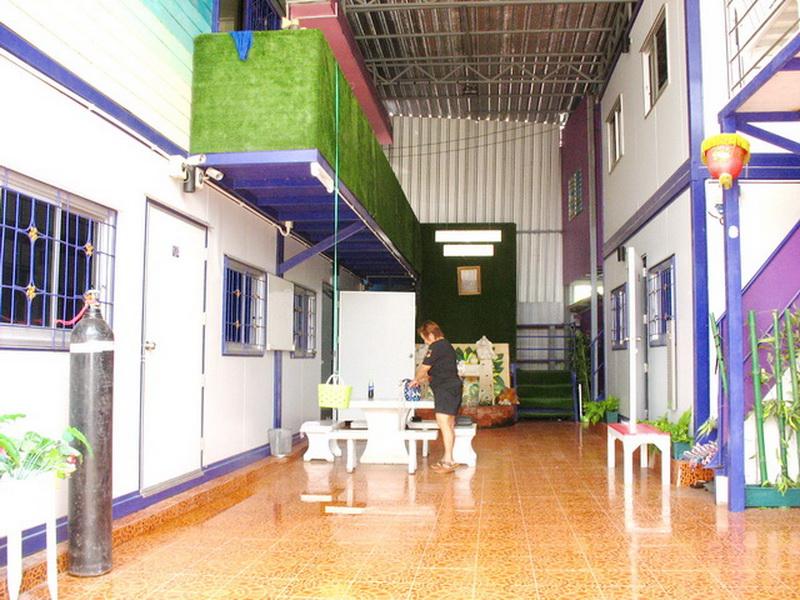 H739 ขายห้องพักใหม่ เนื้อที่ 51 ตร.วา อยู่ซอยชุมชนจุรินทร์จัดสรร ถนนบางกรวย-ไทรน้อย มีห้องให้เช่า 8 ห้อง ให้เช่าเดือนละ 3,200 บาท